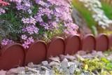 Prima-květináče plastový obrubník, zahradní obrubníky, plastové obrubníky do zahrádky, travníková obruba záhonu, trávníkové obruby záhonů, palisády, palisáda, palisádový obrubník, neviditelny obrubnik, zahradní chodníkové palisády, obrubníky z umělé hmoty, obrubniky Prosperplast samozavlažovací plastové venkovní závěsné